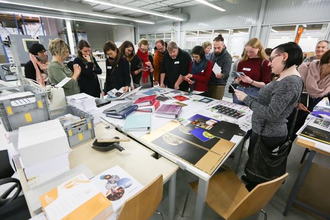 Nos étudiants visitent l'imprimerie Paperforms !